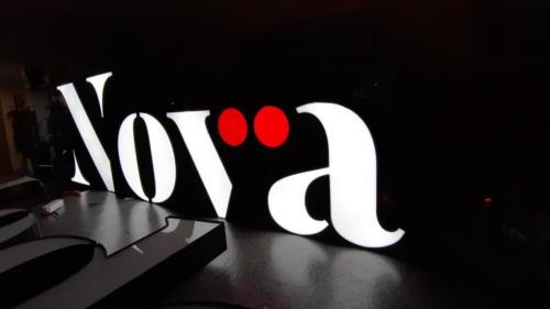Logo podświetlane w Toruniu